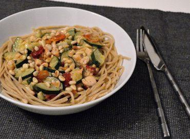 spaghetti met zalm en courgette