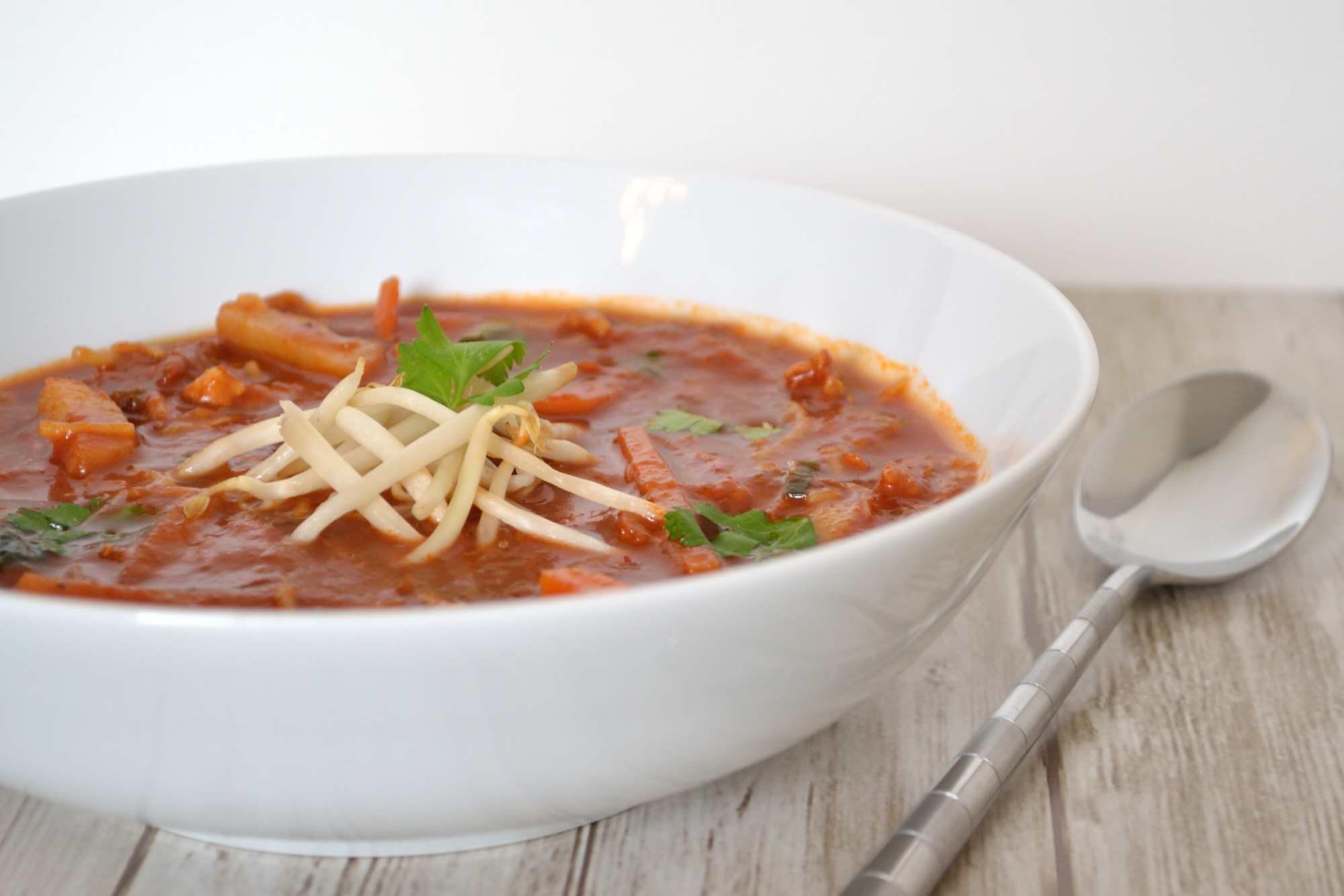 Goed gevulde Chinese zoetzure tomatensoep